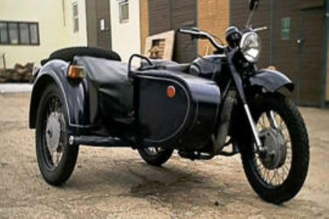 Dnepr MT 11 (with sidecar)