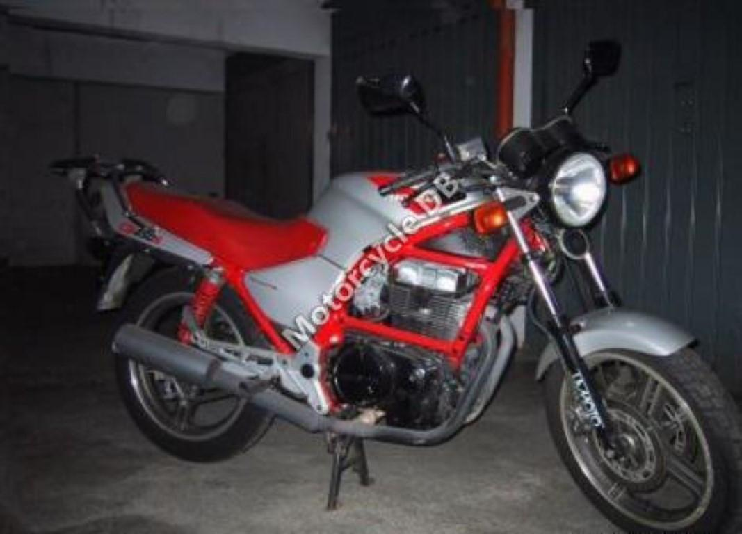Honda CB 750 (reduced effect 2)