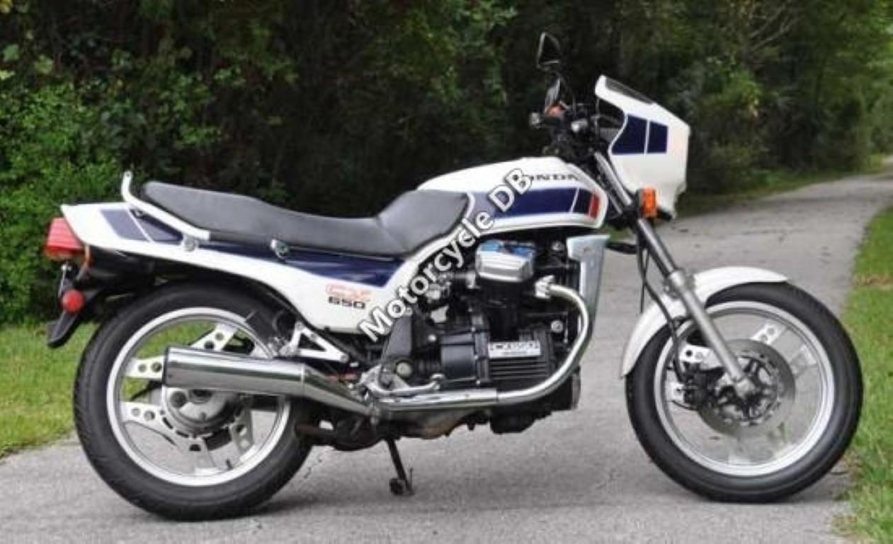 Honda CX 500 E (reduced effect)