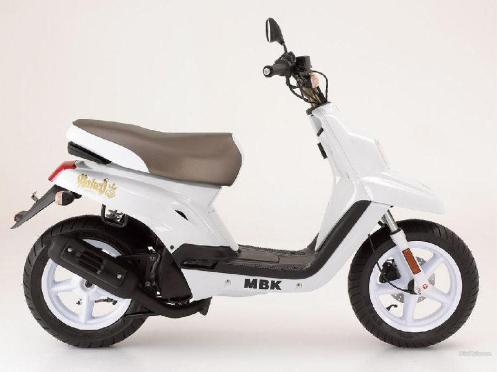 yamaha mbk technical data of scooters scooters fuel. Black Bedroom Furniture Sets. Home Design Ideas