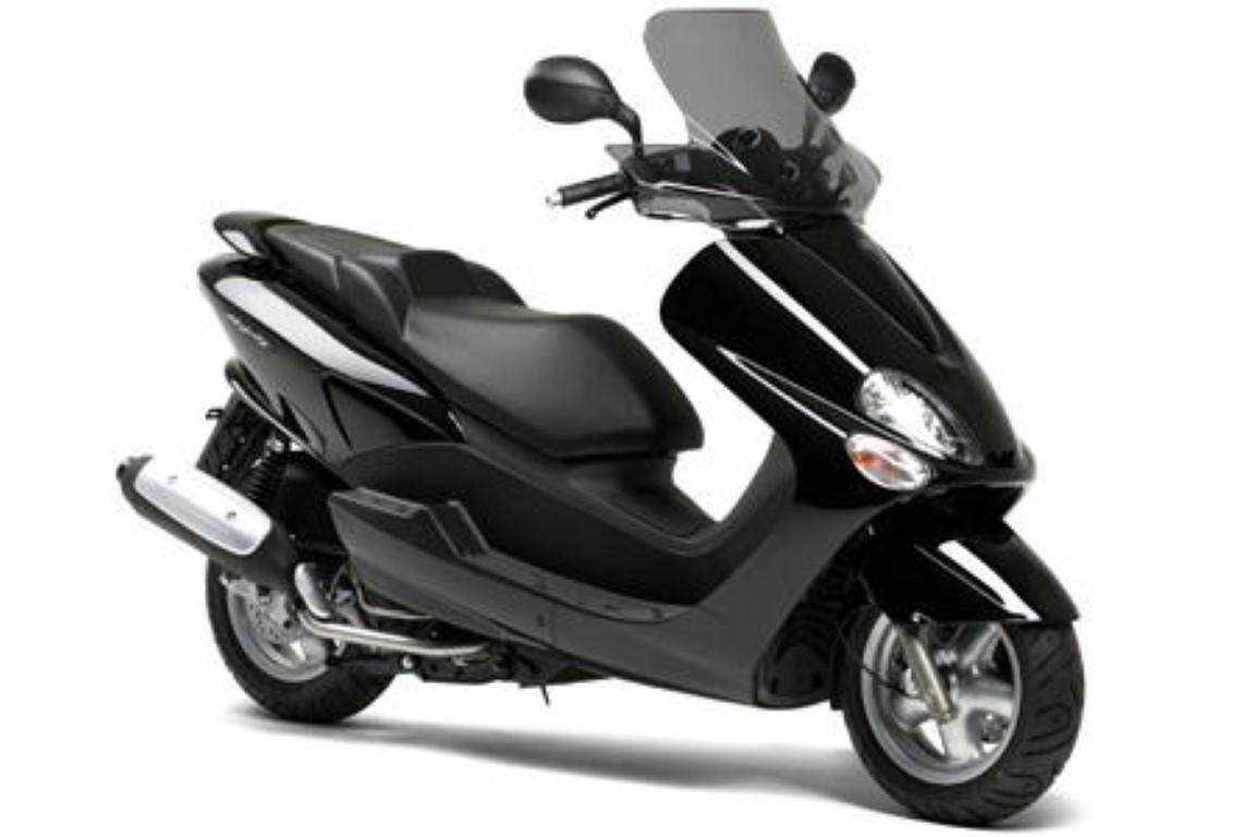 yamaha majesty 125 datos t cnicos poder par el consumo de combustible. Black Bedroom Furniture Sets. Home Design Ideas